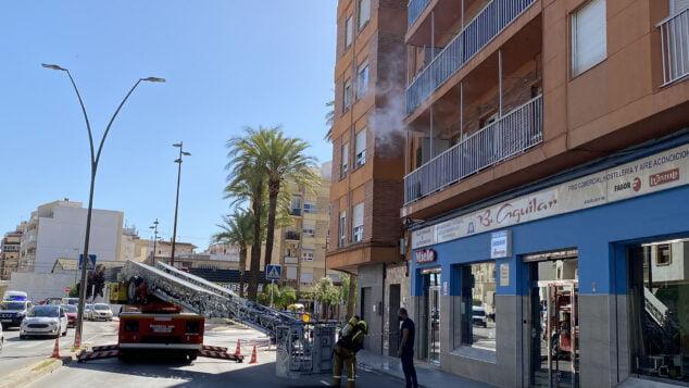 Imagen: Incendio en una vivienda de avenida Alicante