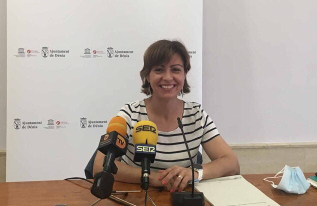 Imagen: La concejala Maria Josep Ripoll presenta la nueva normativa urbanística
