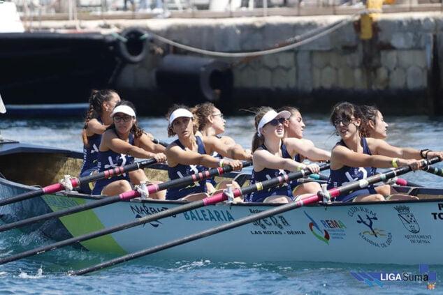 Imagen: Participantes en una regata de remo