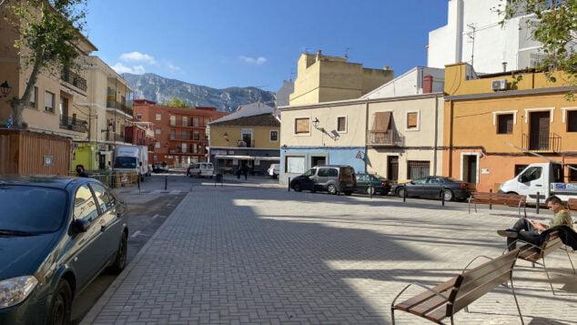 Imagen: Plaza Valgamedios, o plaza Oeste, tras la remodelación