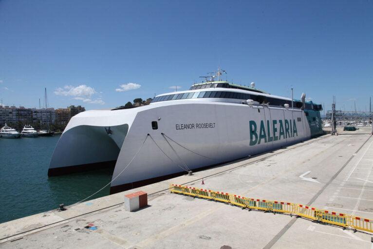 Presentación del Eleanor Roosevelt en el puerto de Dénia 13