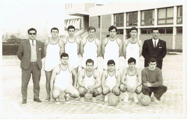 Imagen: Primer equipo del Club Náutico año 1967-68