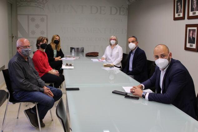 Imagen: Reunión entre el Ayuntamiento de Dénia y CEDMA