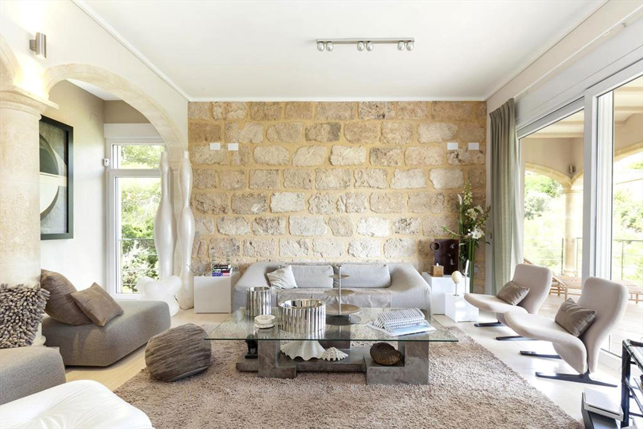 Salón en una villa para máximo ocho personas – Quality Rent a Villa