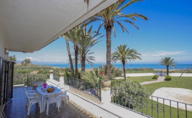 Imagen: Terraza de una villa de vacaciones para seis personas en Dénia - Deniasol