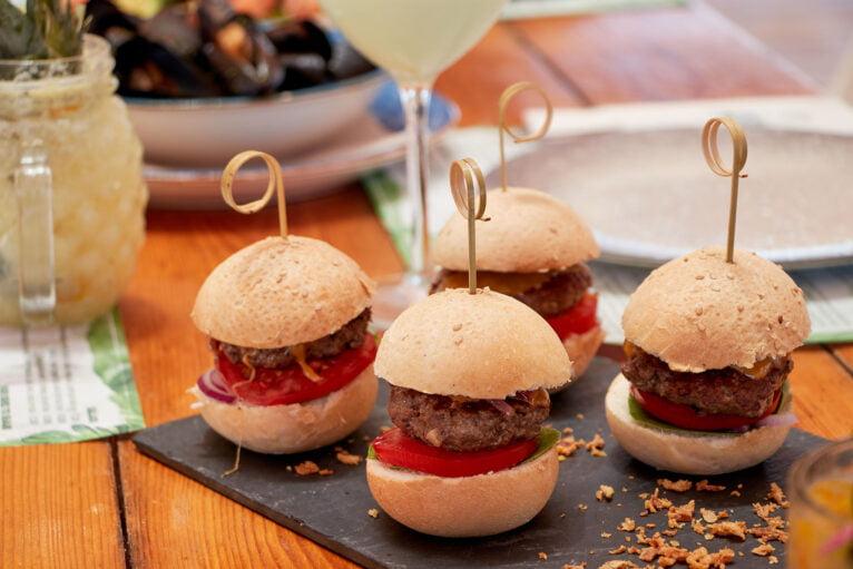 Bocaditos de hamburguesa - Isla Bonita