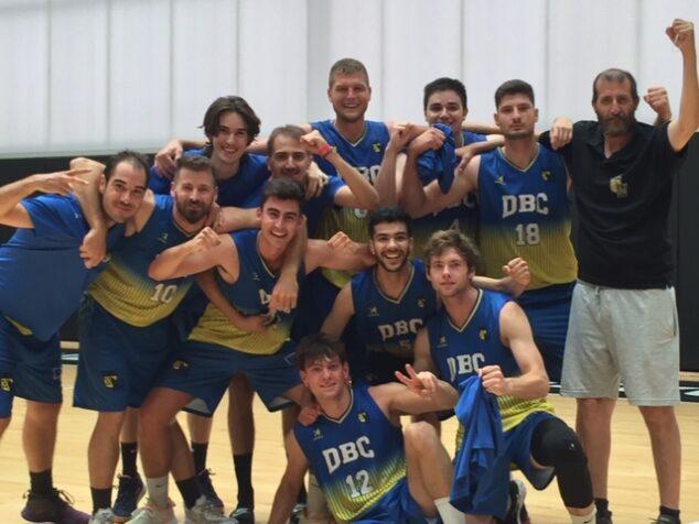 Imagen: Celebración del Denia Basket