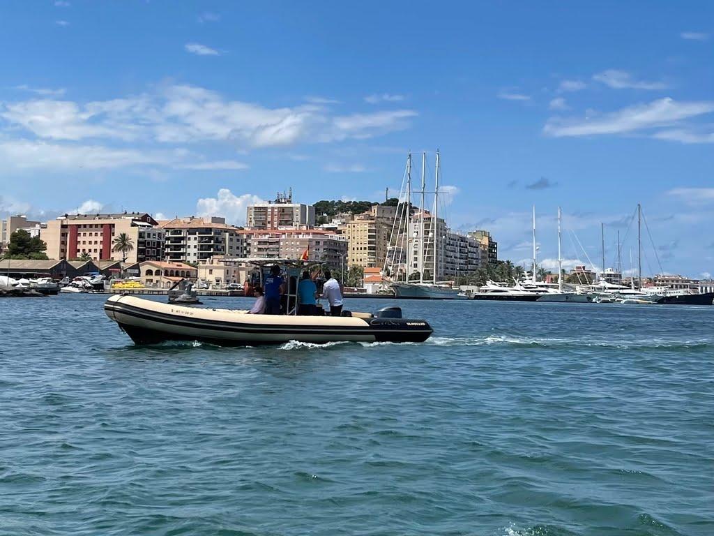 Embarcación de Marina de Dénia