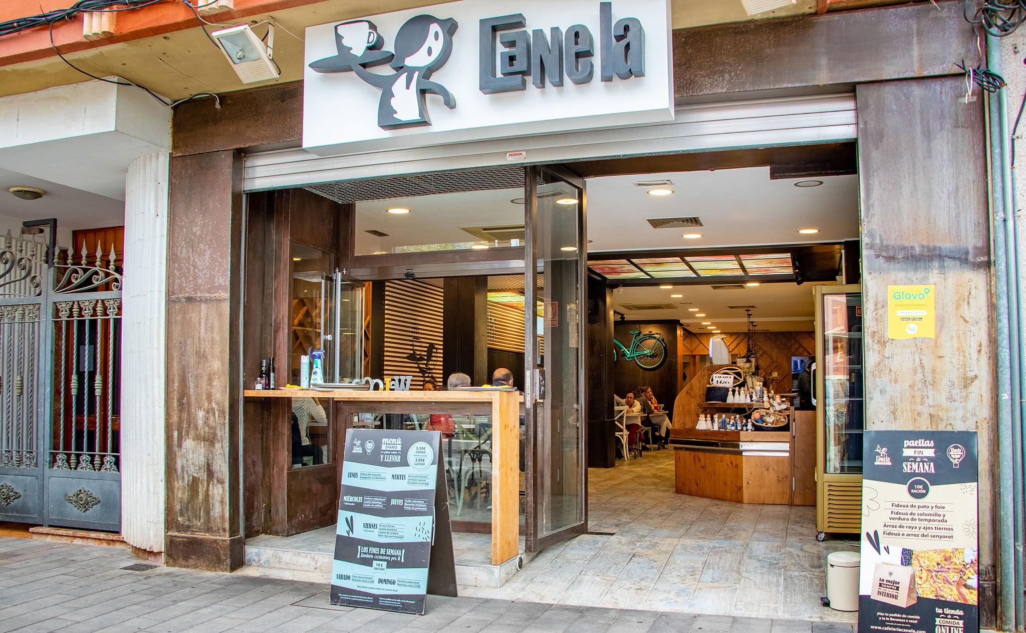 Entrada de Cafetería Canela