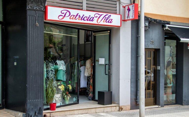 Exterior de la tienda de ropa Patricia Vila en Dénia