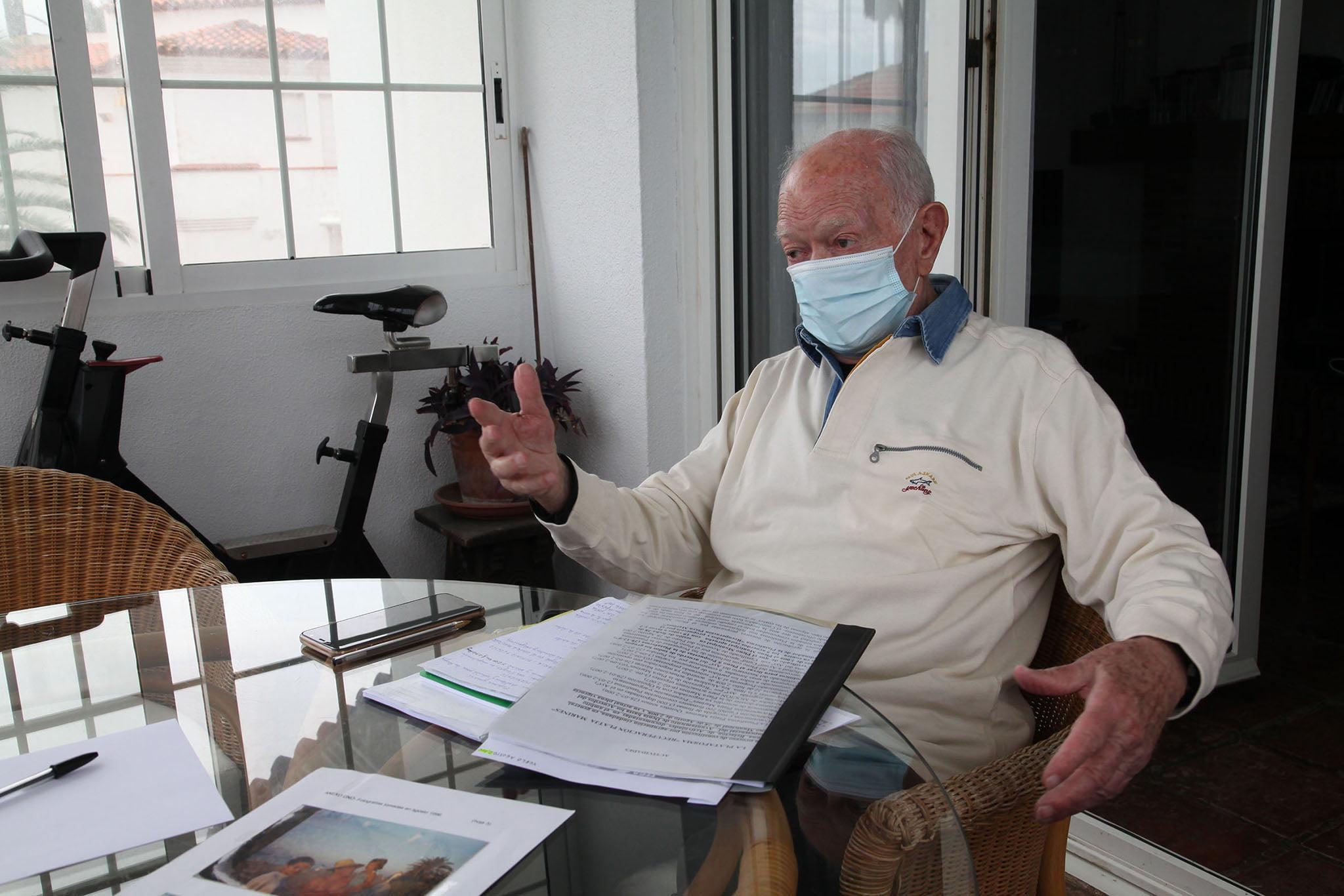 Jorge Miquel nos recibe en la terraza de su casa