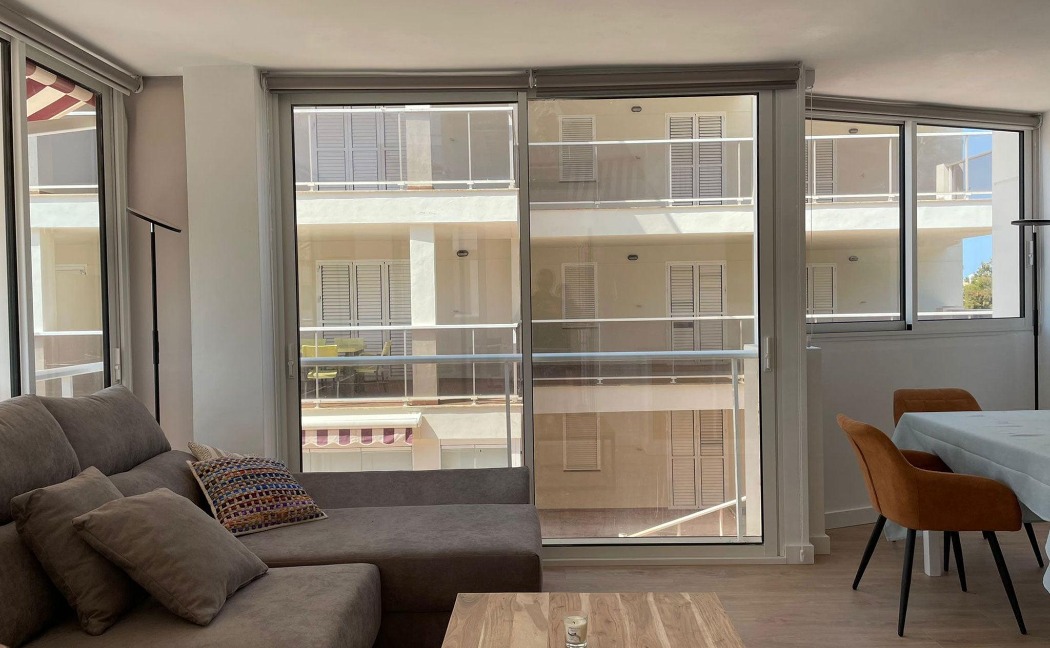 Puertas de balcón correderas en Dénia – Hermética