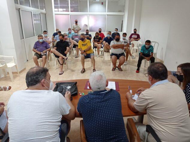 Imagen: Reunión de la Junta Local con las comisiones para decidir la fecha