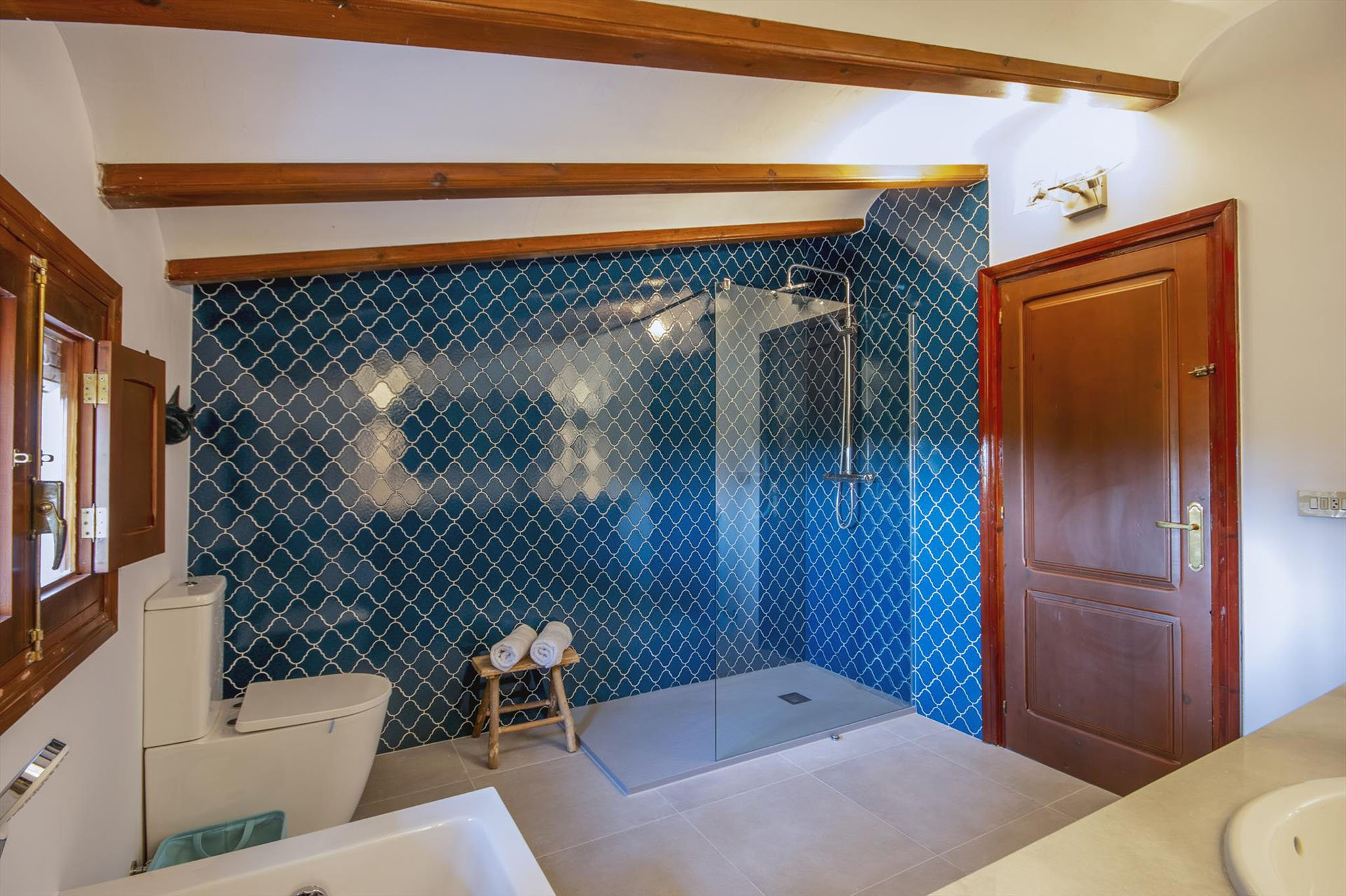 Amplio baño de Villa Xarabella