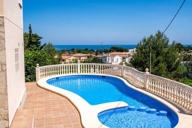 Casa con piscina en Denia - Quality Rent a Villa