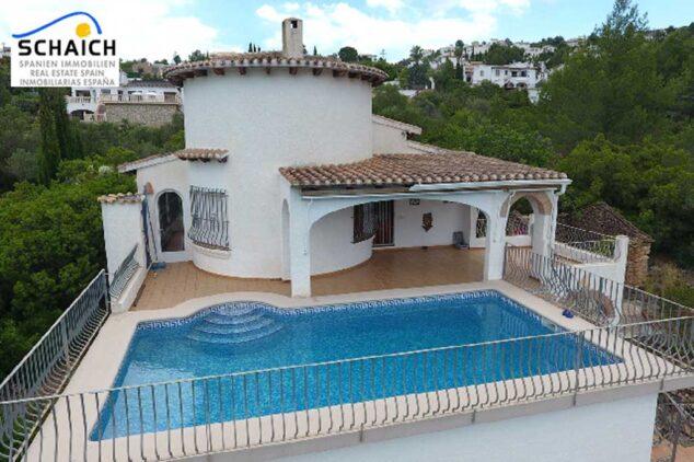 Imagen: Chalet con piscina y vistas al Monte Pego