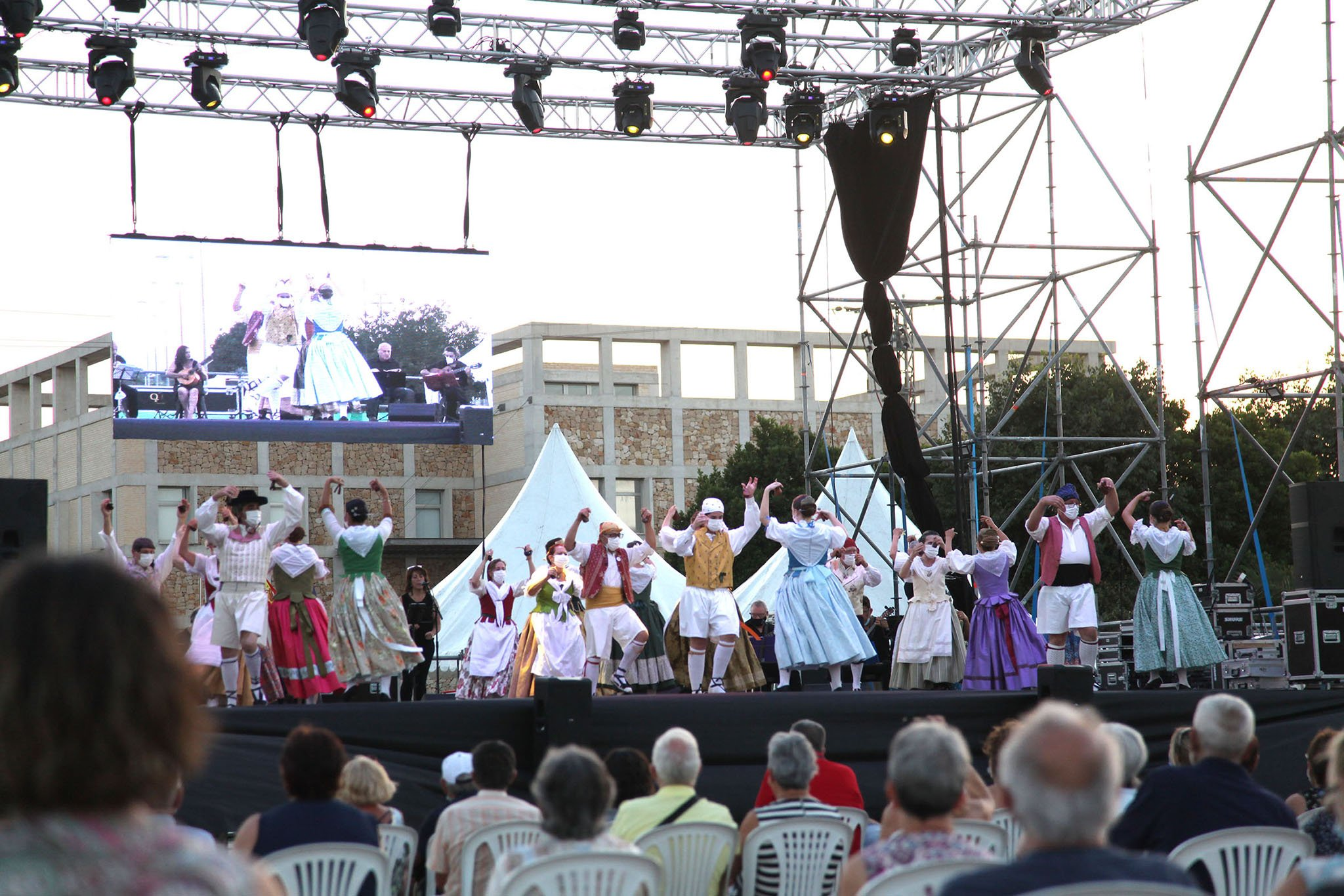 Dianium Dansa organiza el Aplec de Danses 2021 09