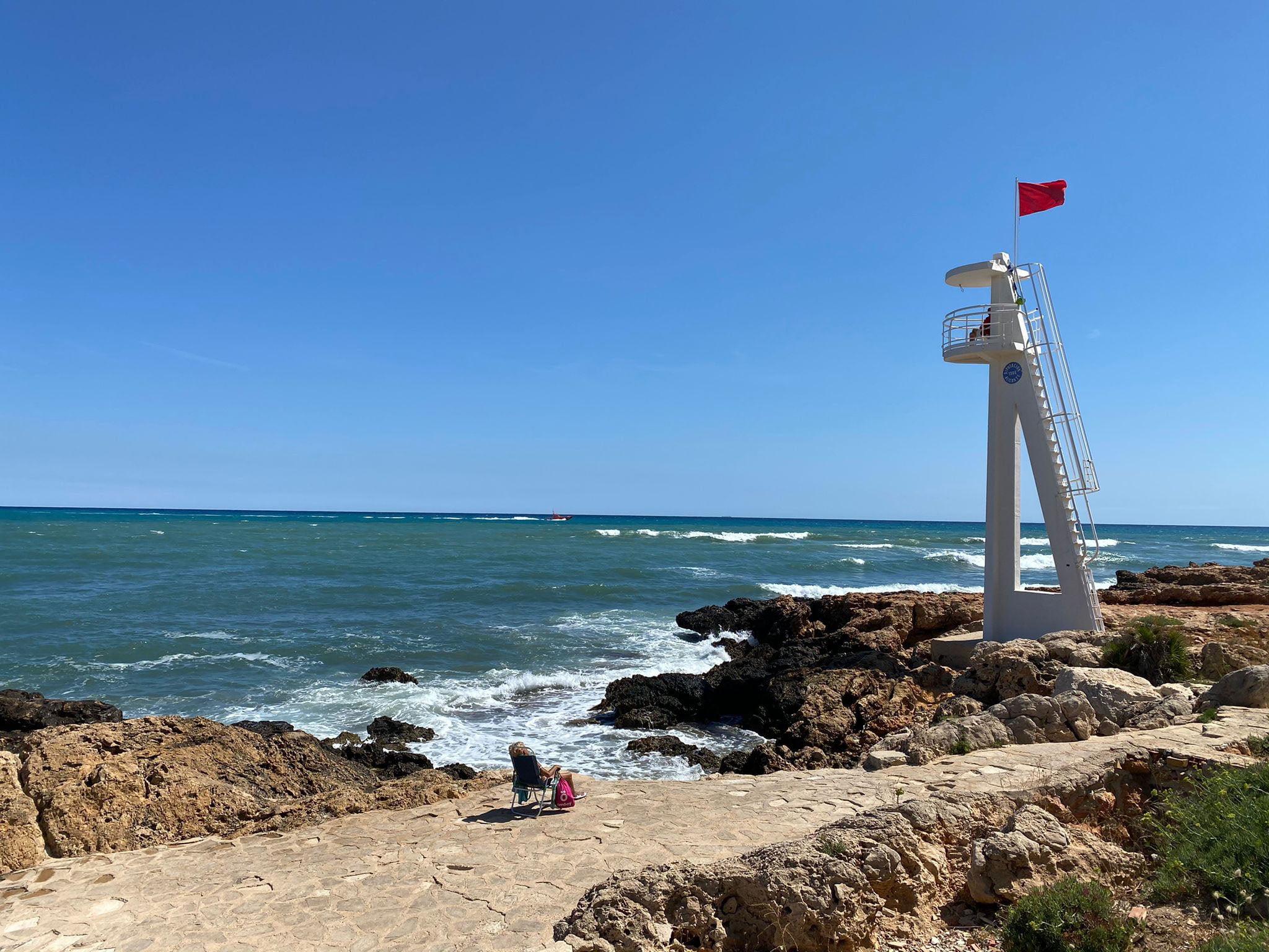 La bandera roja ondea en El Trampolí