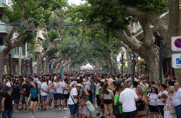 Imagen: La calle Campo abarrotada en el primer día de Fiestas