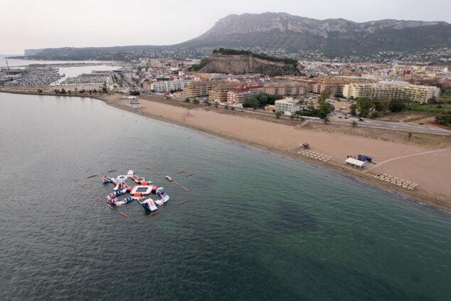 Imagen: La playa Punta del Raset es la primera de arena en la carretera de Les Marines