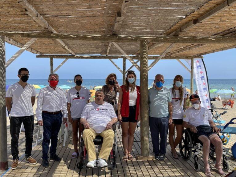 Presentación de las mejoras en la playa accesible Punta del Raset