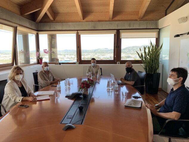 Imagen: Reunión entre los ayuntamientos de Dénia e Ibiza