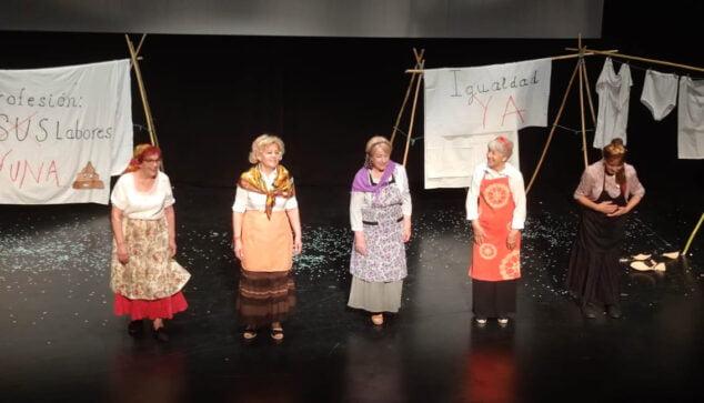 Imagen: Teatro en el Festival de Fin de Curso de los Talleres de la Tercera Edad
