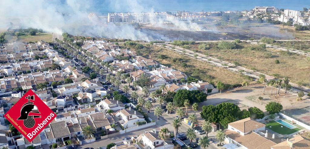 Vista aérea del incendio de Dénia