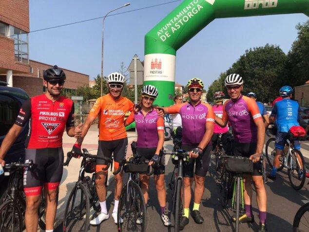 Imagen: Ciclistas de Dénia en la Super Brevet Asturica Augusta