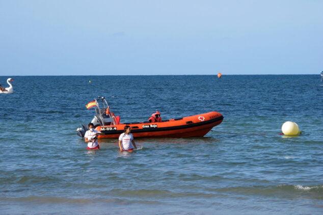 Imagen: Embarcación de Cruz Roja en El Raset