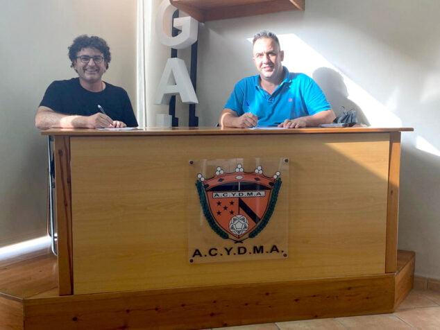 Imagen: Firma del acuerdo entre ACYDMA y el Ayuntamiento