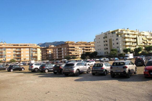 Imagen: Parking público a pocos metros de la playa Punta del Raset