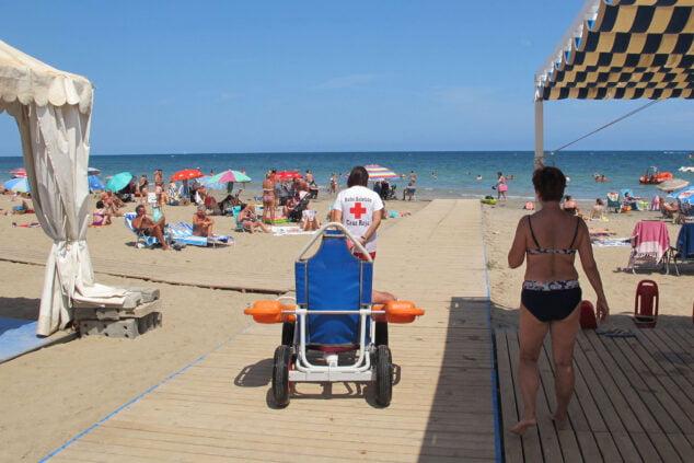 Imagen: Servicio de baño adaptado en Punta del Raset