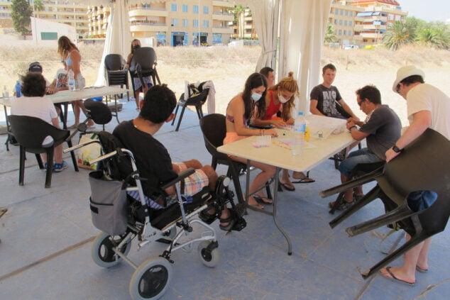 Imagen: Talleres para personas con diversidad funcional en la instalación de Punta del Raset