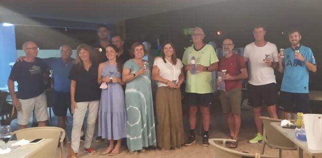 Imagen: Trofeos del Torneo Nocturno de Tenis y Pádel