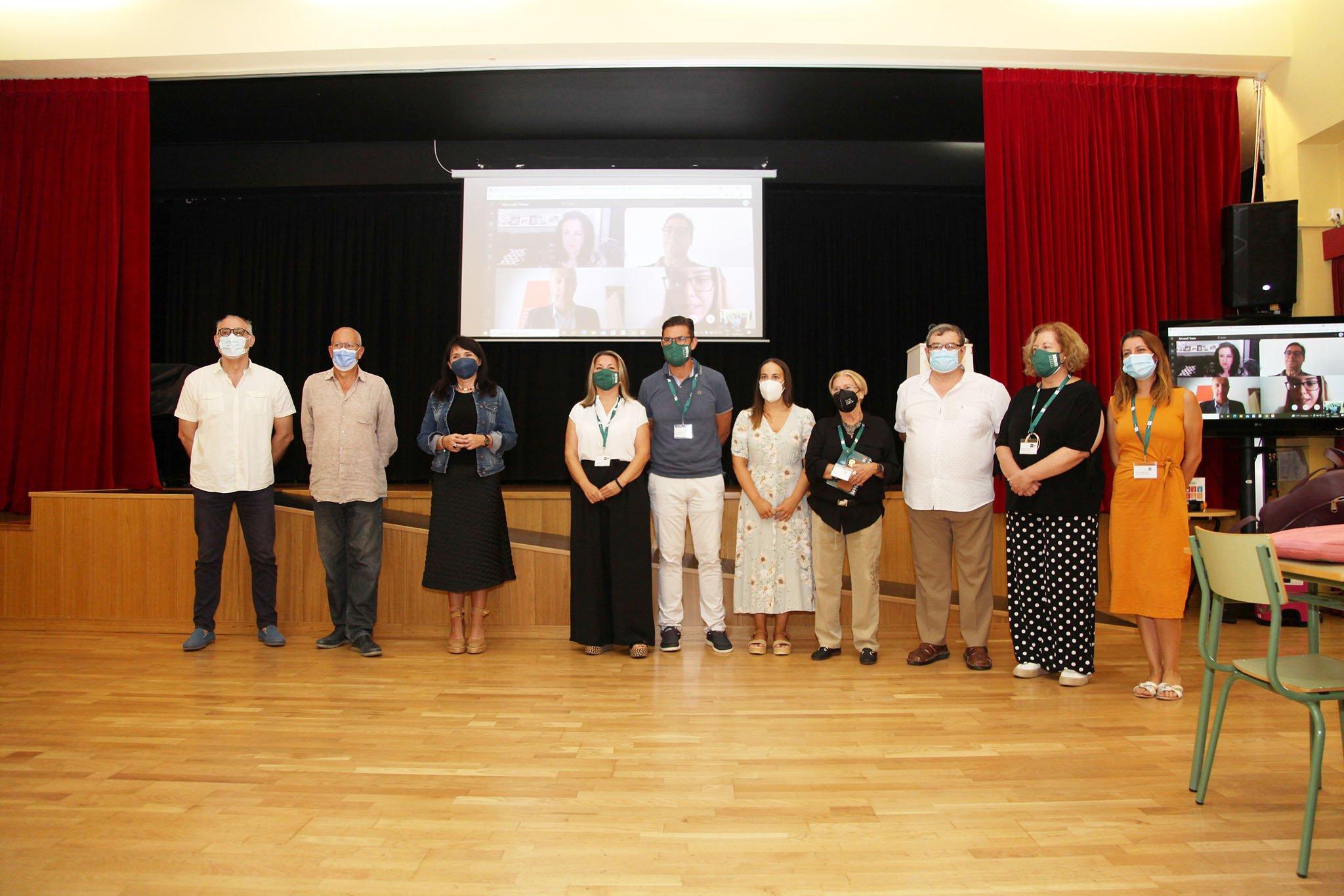 Algunos de los participantes en la reunión