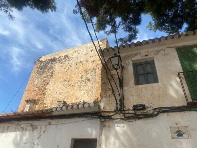 Imagen: Compromís pide eliminar el cableado antiguo