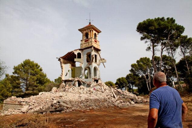 Bild: Abriss des herrschaftlichen Anwesens Les Rotes 15