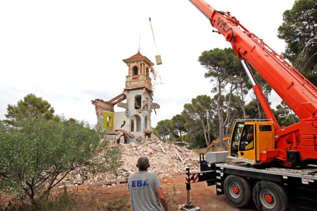 Bild: Abriss des herrschaftlichen Anwesens Les Rotes 27