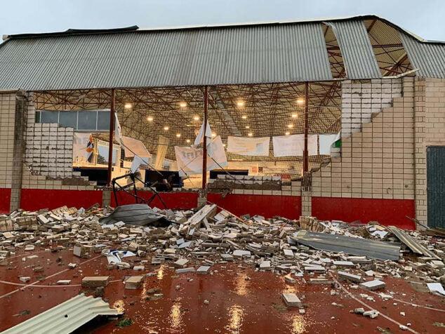 Imagen: Destrozos sufridos en el polideportivo de Dénia en septiembre 2019