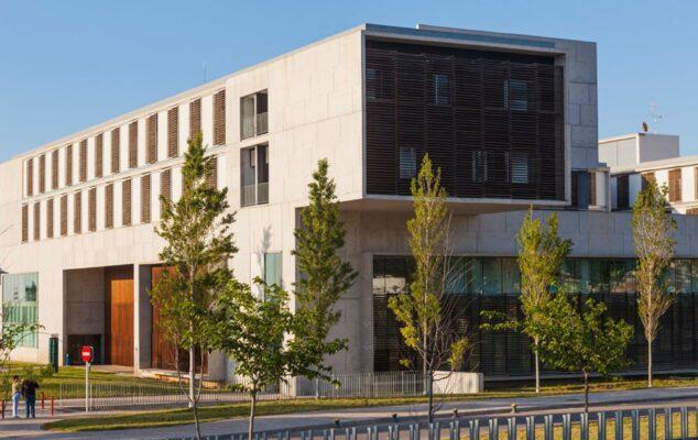 Imagen: Exterior del hospital de Dénia