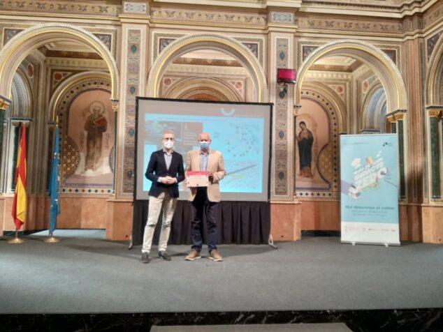 Imagen: Vicent Grimalt recoge el premio